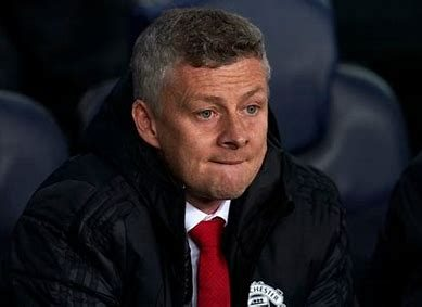 Manchester United fans call for manager Solskjaer's head after loss to Young Boys in Bern